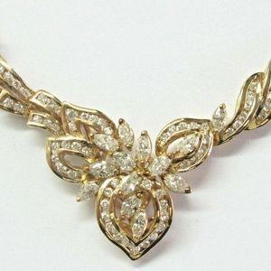Jewelry - Natural Pear Shape & Round Cut Diamond Yellow Gold